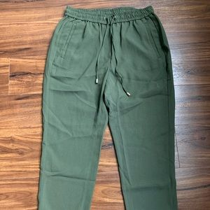 H&M textured jogger pant army green size 6